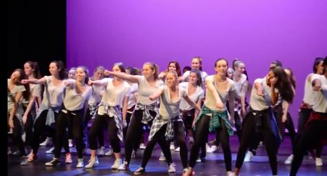 Class of 2016 presents annual senior show