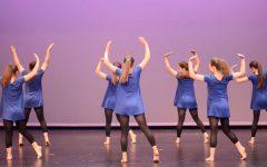 "Window performs ""Let's Dance"""