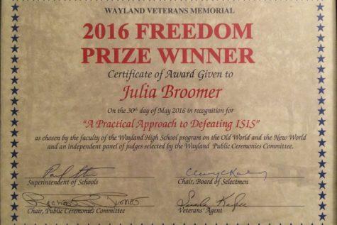 Sophomore Julia Broomer wins Freedom Prize Essay Contest