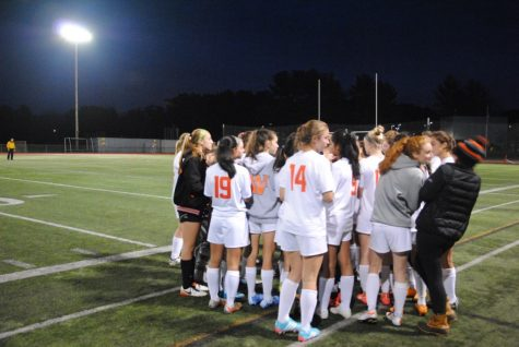 Girls' soccer defeats Waltham (30 photos)