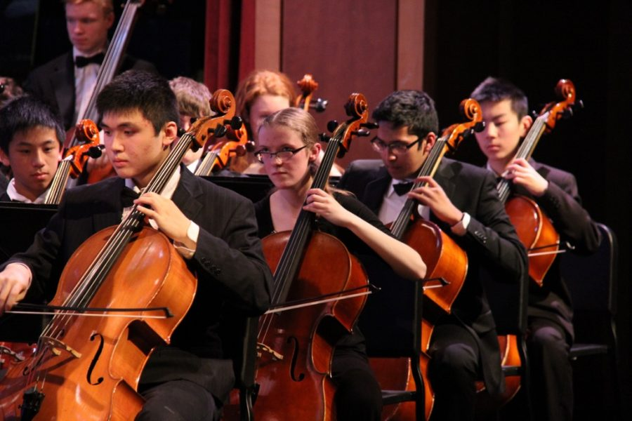 Students participate in the annual winter orchestra concert and art exhibit (49 photos)