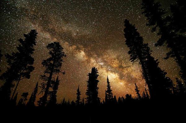 calvin-laituri-streaks-in-the-sky-m
