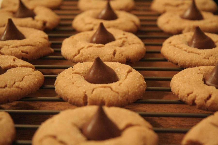Harry advises you to try the Peanut Butter Kiss Cookie, inspired by the tastes of Reeses Peanut Butter Cups.