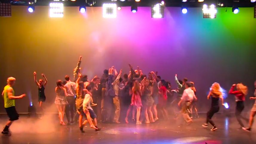Class+of+2014+performs+in+annual+Senior+Show