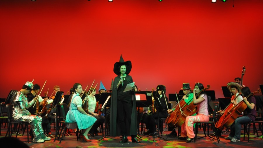 Students perform in Masquerade Concert (24 photos)