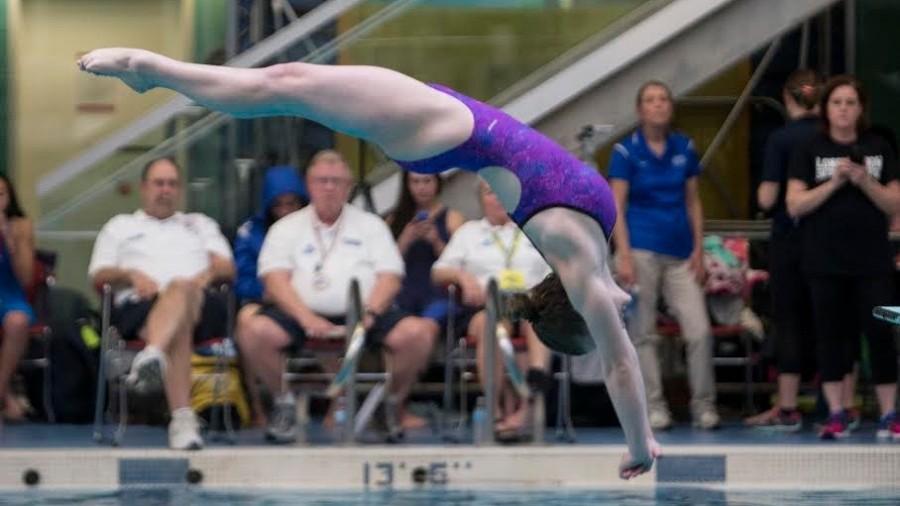 Elizabeth Miller breaks Wayland dive records