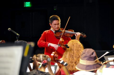 Orchestra performs annual masquerade concert (32 photos)