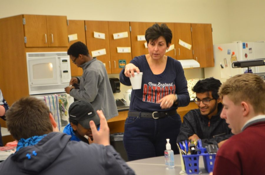 WW 17: baking with Ms. Manning (17 photos)