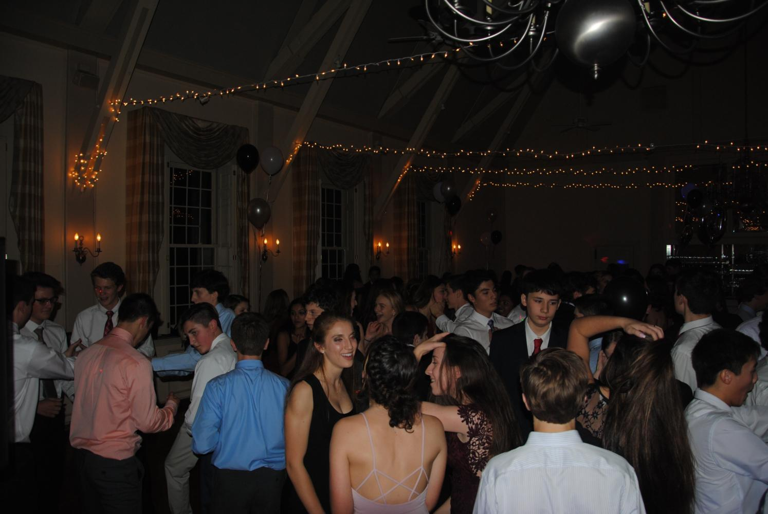 """I wish [semi] was in November,"" sophomore Ethan Betancourt said. Above is the Class of 2019 during their semi, which happened on Nov. 19, 2016."