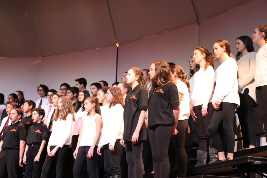 The+7th+grade+chorus+opens+up+the+concert.+