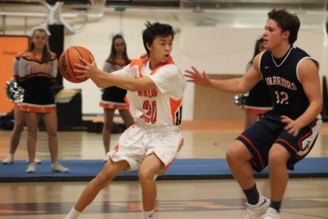 Boys' basketball falls to LS in season home opener (40 photos)