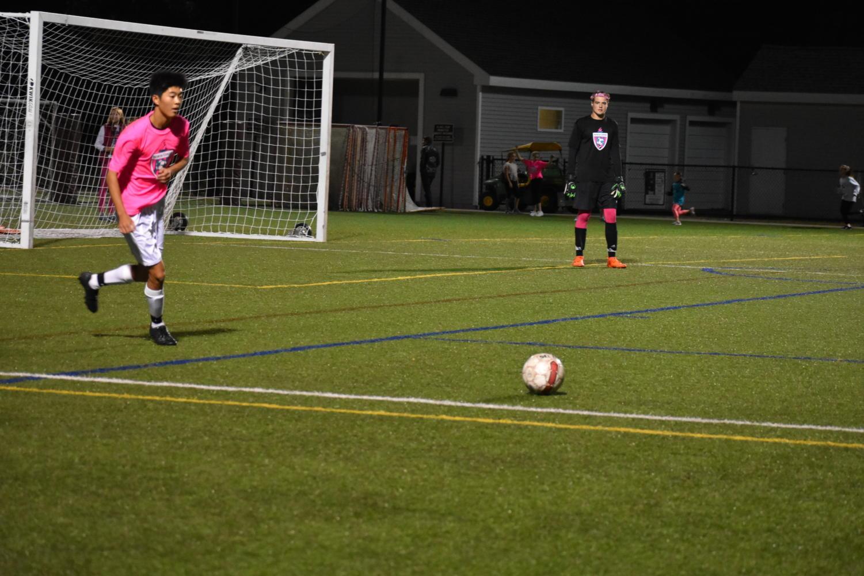 Greene+prepares+to+take+a+goal+kick.