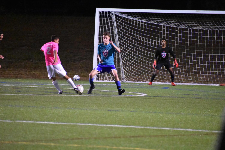 Senior+Mateos+Norian+makes+a+move+around+a+defender.
