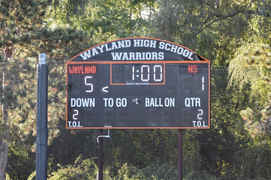 Wayland+is+up+5-1+against+Newton+South+for+their+first+win.