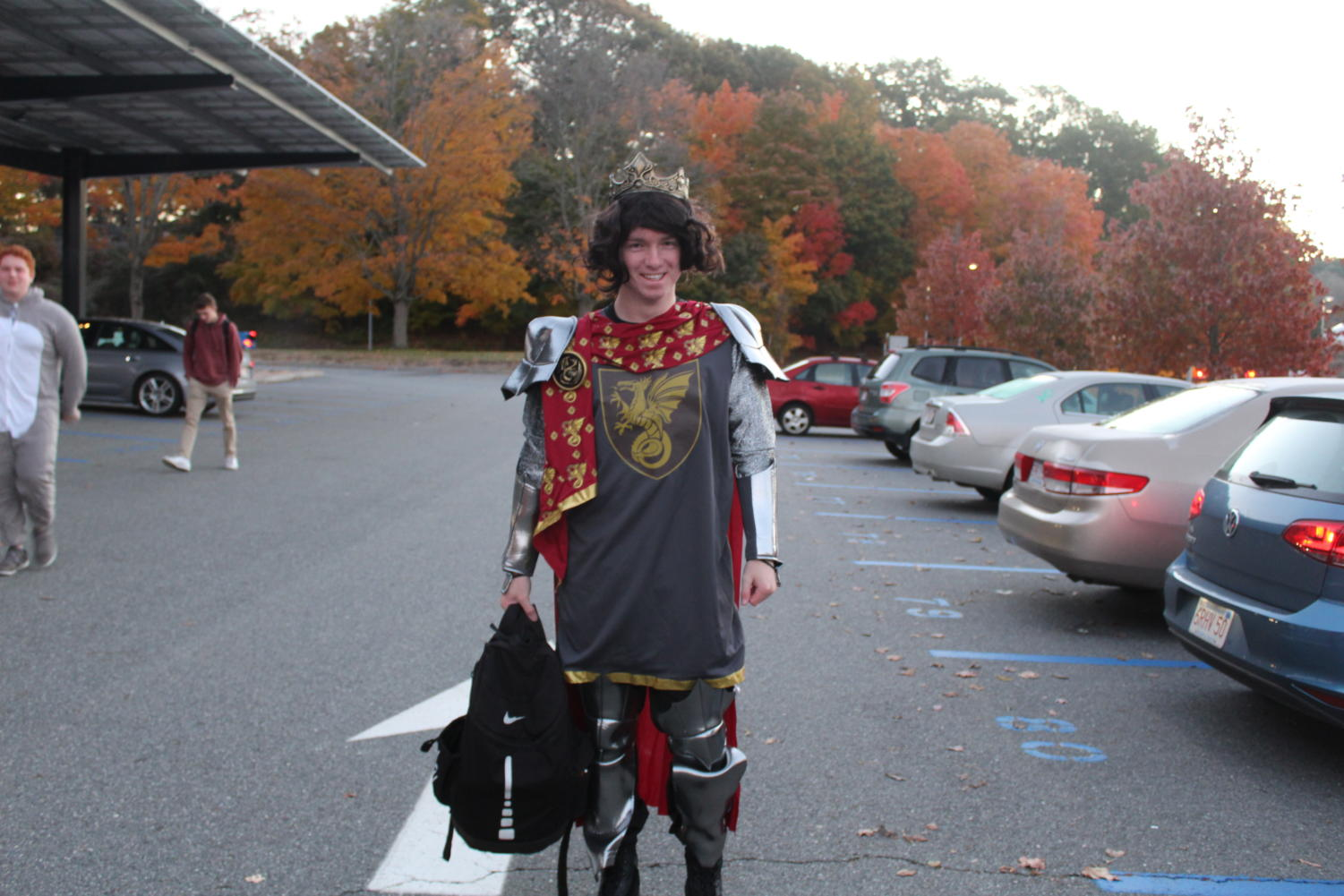 Henry+Stafford+sports+a+crown+as+a+knight+in+shining+armor.