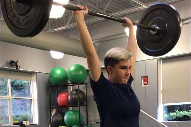 Sophomore+Gracie+Corbett+jerks+a+95+pound+bar+above+her+head.+Corbett+is+a+weightlifter.+%E2%80%9CI+really+like+being+healthy.+I+want+to+make+sure+I%E2%80%99m+always+healthy%2C%22+Corbett+said.+
