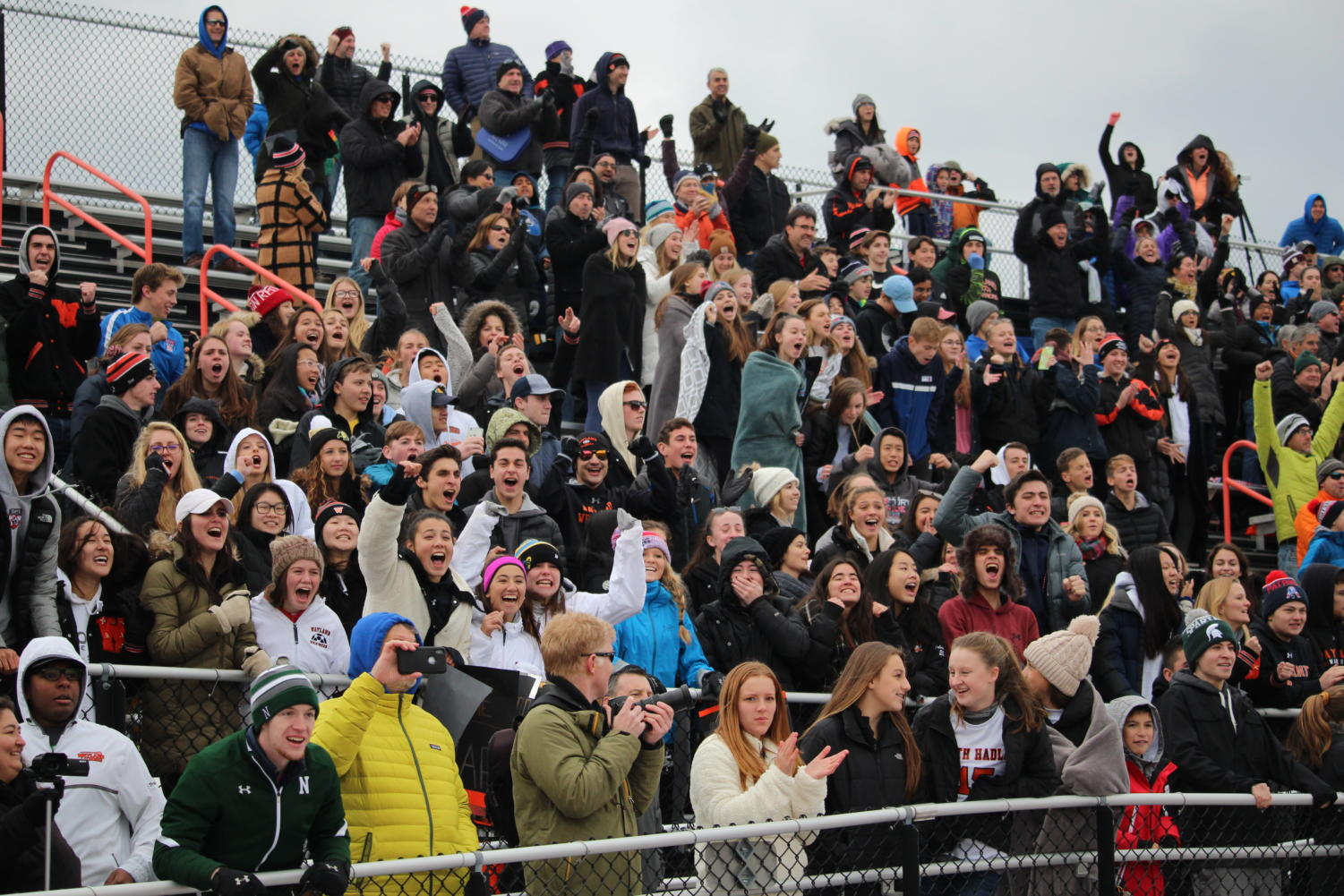 Fans+cheer+as+Wayland+scores.