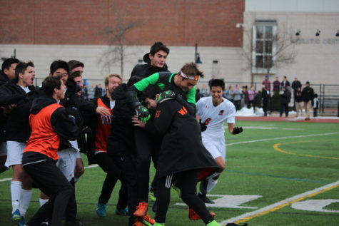 Photo+of+the+Week+Nov.+26%2C+2018%3A+Senior+goalie+Nick+Smith+embraces+junior+Quinn+Fay+after+the+boys+varsity+soccer+team+won+the+DIII+state+championship.