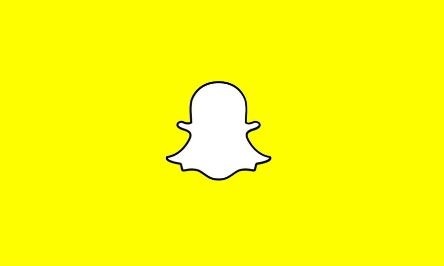 Snapchat+is+an+app+that+has+grown+very+popular+with+teens.+Like++everything+on+the+Internet%2C+however%2C+it+comes+with+many+risks.+WHS+students+have+recently+lost+their+accounts+to+a+local+scammer.+%22%5BFollow%5D+the+basics%2C%22+sophomore+Nina+Price+said.+%22Don%27t+give+your+personal+information+to+anyone%2C+no+matter+what%2C+unless+you%27re+in-person+with+them.%E2%80%9D