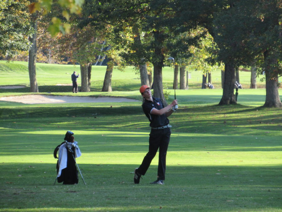 Varsity sports teams at WHS have had to leave school early for sports games all fall, including the golf team who has left early for every match this season.