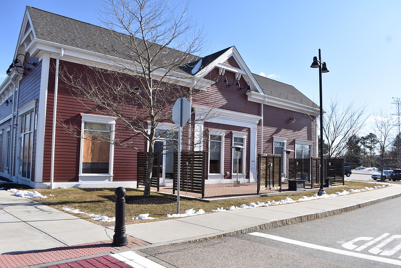 Panera in the Wayland town center closed on December 17, 2019. Although this was a popular place for students and members of the community to eat and get work done, it closed this winter. A cafe called the Bagel Table will move into the lot in the spring of 2020.
