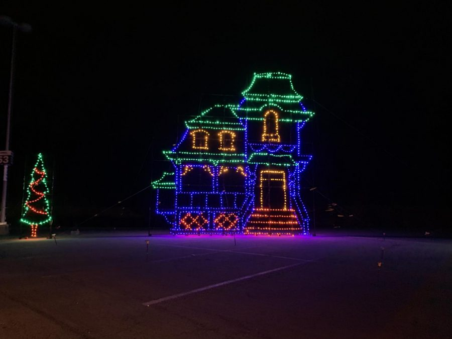 The Gillette Stadium holiday light show is a winding display with a variety of holiday themes and characters. The show is enjoyed from the comfort of your own car.