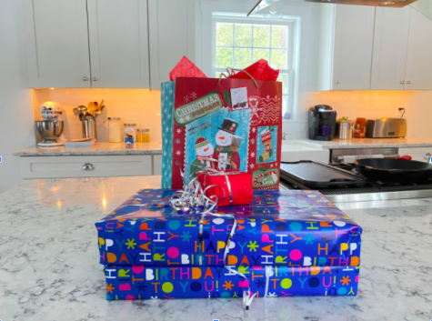 "As the holiday season is just around the corner, many people are scrambling to find gifts. Here are a few last minute gift ideas that are perfect for loved ones and friends. ""I had a hard time Christmas shopping this year because of COVID-19 so I heavily relied on easy DIY gifts from home,"" freshman Maggie Clifford said."
